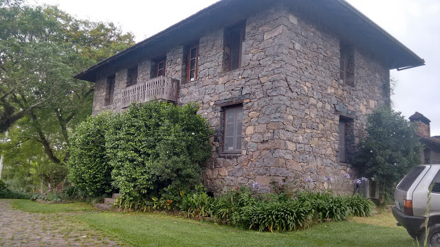 9 motivos para visitar Bento Gonçalves casa de pedra